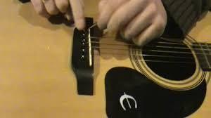 changer-cordes-guitare